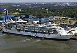 MS Freedom of the Seas beim Auslaufen in Turuk